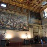 High ceilings & murals