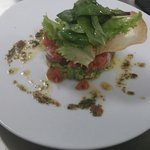 Tartare de thon, avocat et tomate confite