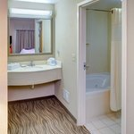 Whirlpool Suite Bath