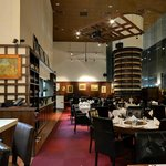 Chic Ambience of Manhattan Italian Styled Restaurant