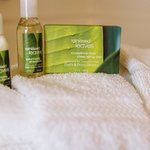 Refreshing bath amenities