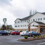 GuestHouse Inn & Suites Kelso/Longview