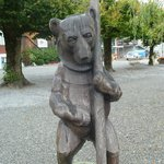 Woodcarving of a bear in Brienz