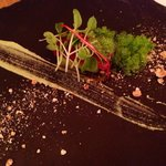 Tuna on kiwi with wasabi