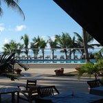 Depuis le restaurant, vue sur la piscine