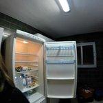 frigo cassé, pas de bouteilles sur la porte