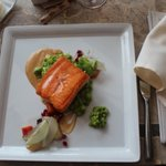 Salmon with fresh vegetable-based accompaniments