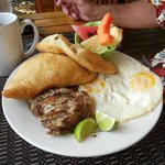 Breakfast at Laru Beya