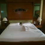 Clean & Comfortable bed