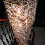 lámpara en la escalera