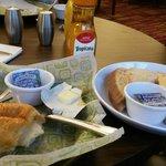 1x Frühstück pro Person (mehrere Sachen wählbar)