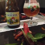 Birra belga con stuzzichino.