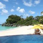 один из двух пляжей отеля