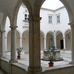 Chiostro attiguo alla chiesa di san Francesco a Piran