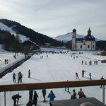 Вид на Церковь, беговую лыжню и подъемник
