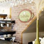 Savourez un bon cappuccino dans une ambiance chaleureuse
