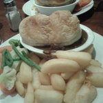 Steak and ale pie excellent and speedy service as well