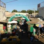 De markt in Serekunda