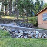 enjoy cabins or lodge rooms