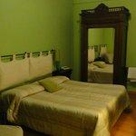 Kamer 23, goed groot bed, kamer 17 m2