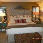 Lake View Loft - king bed