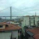 Blick von Zimmer 512 nach Ortaköy und auf die Brücke