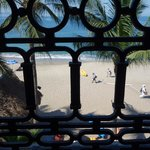 Through the balcony to the beach