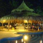 el bar de la piscina real