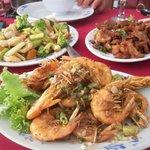 Crevettes au sel ,porc au sel et chao chap