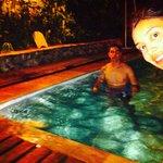 en la piscina despues de un dia agitado