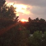 Wschód słońca widziany z naszego pokoju.