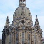 Die Frauenkirche - sehr sehenswert !!! Sehr freundliche und auskunftsfreudige, ehrenamtliches Te