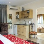 Self-catering Unit in our lovely downstairs luxury suite: Hope