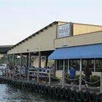 Lakeside Dining on Lake Hamilton