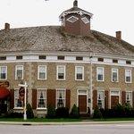Ye Olde Landmark Tavern