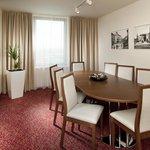 Suite meeting room