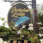 Ardeelan Lodge B&B Sign