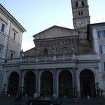 Basílica di Santa Maria in Trastevere construída no século IV