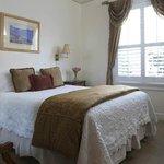 Petite Queen Guestroom