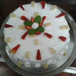 bolo de chocolate e fruta