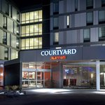Photo de Courtyard Philadelphia South at The Navy Yard