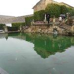 Alcázar de los Reyes Cristianos-estanque en los jardines
