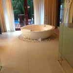 Villa Bathtub