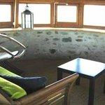tour : salon en hauteur vitré à la ronde , vue panoramique exceptionnelle