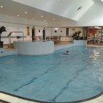 Pool, jacuzzi & steam room
