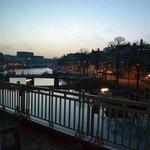 de bon matin , vue sur l'Amstel