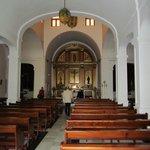 interieur van het kerkje