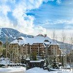 Photo de Four Seasons Resort and Residences Whistler
