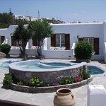 La Veranda Rooms and Pool area