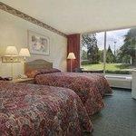Photo of Rodeway Inn & Suites Shreveport